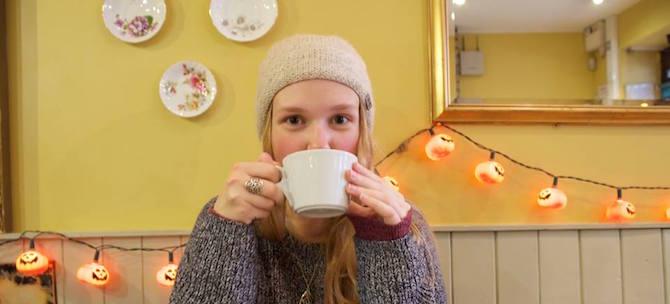 elena-montes-drinking-coffee