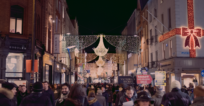 Christmas lights in the shape of a chandelier on Dublin's main shopping street
